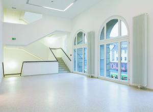 Het nieuwe trappenhuis van het Kaiser Wilhelm Museum. foto Kunstmuseen Krefeld